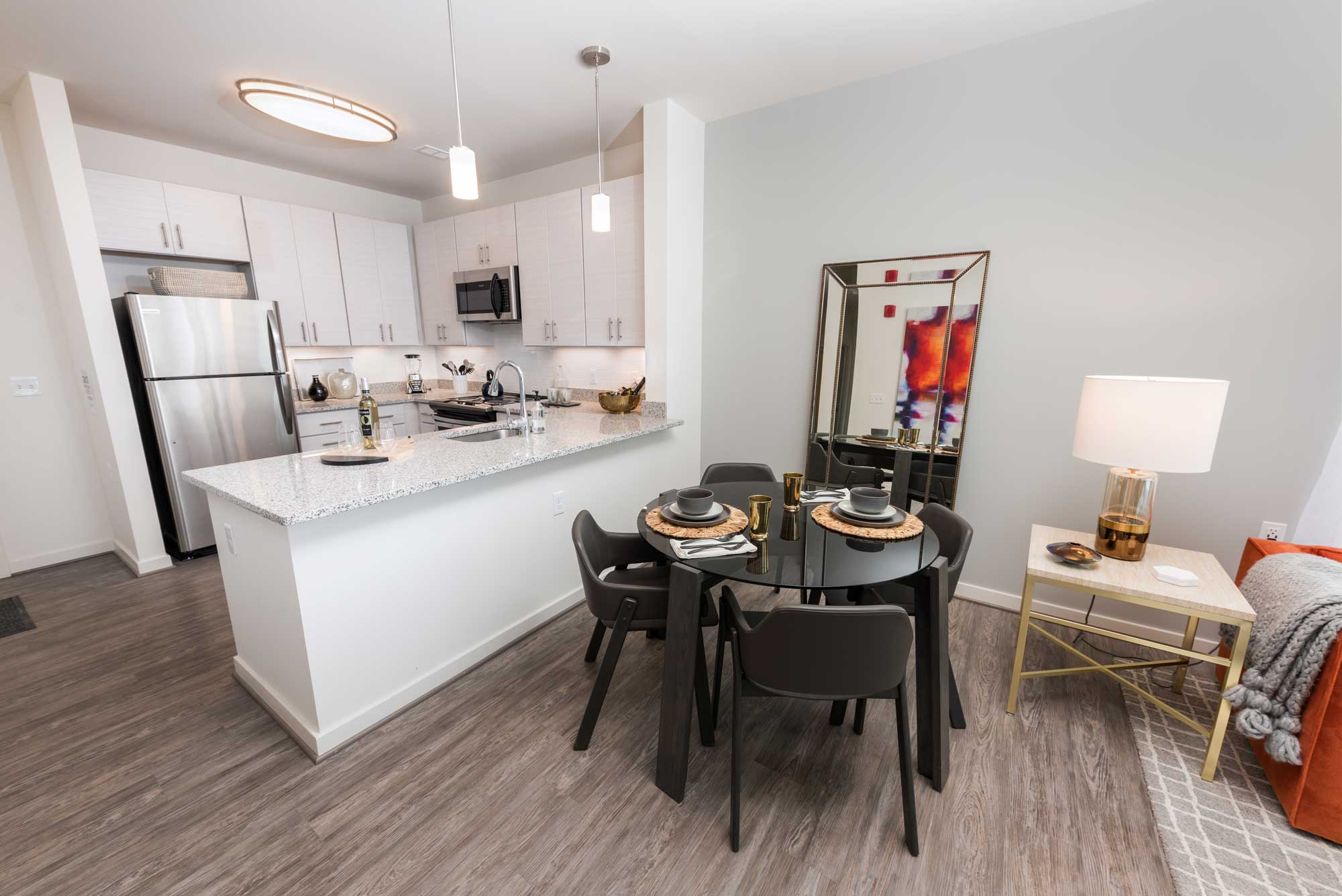 Studio 3807 Kitchen And Dining Room